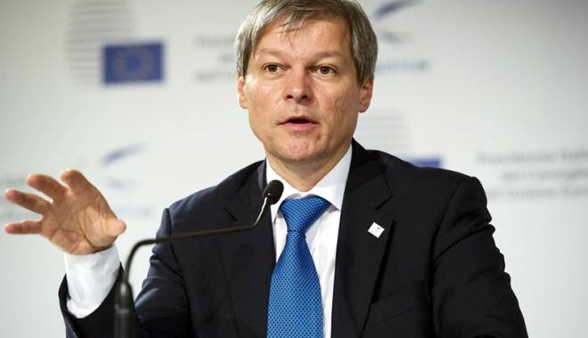 Foto: Dacian Cioloş  ar putea conduce guvernul  din umbră al USR