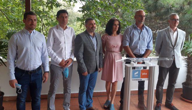 USR-PLUS și-a prezentat candidații la primăriile Eforie, Cumpăna și Agigea - usrechipa2-1594913108.jpg
