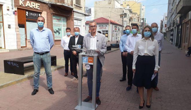 """Foto: Stelian Ion, mesaj la final de campanie: """"Vă aştept pe toţi la vot să puneți ștampila pe USR-PLUS"""""""