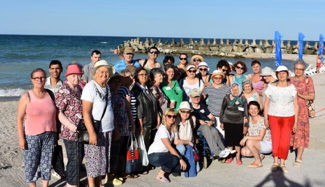 Vacanță plăcută pentru 100 de bătrâni singuri - vacantaplacuta2-1531658052.jpg