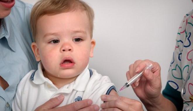 Vaccinuri recomandate copiilor înainte de intrarea în colectivitate - vaccin-1346676042.jpg