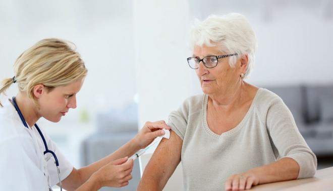 Direcţia de Sănătate Publică, apel către  medicii de familie să ridice vaccinul antigripal - vaccin-1512566356.jpg