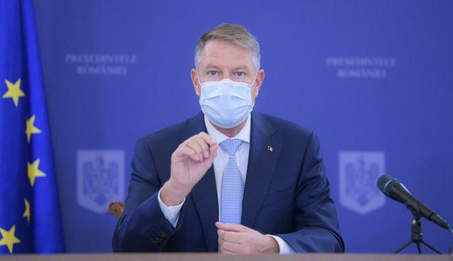 Președintele Klaus Iohannis se va vaccina public astăzi - vaccin-1610696680.jpg