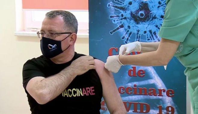 Ministrul Agriculturii s-a vaccinat - vaccinare-1611166770.jpg