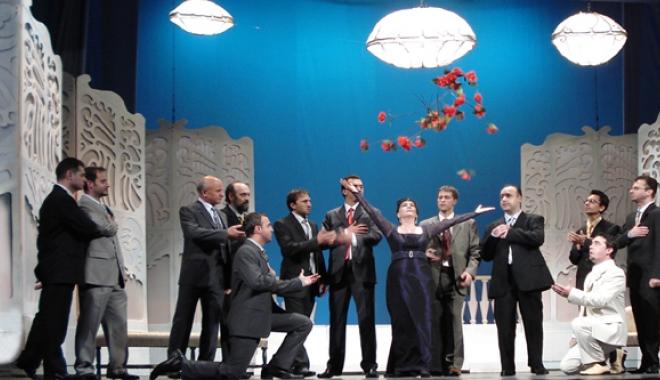 """Foto: """"Văduva Veselă"""", pe scena Teatrului de Operă şi Balet"""