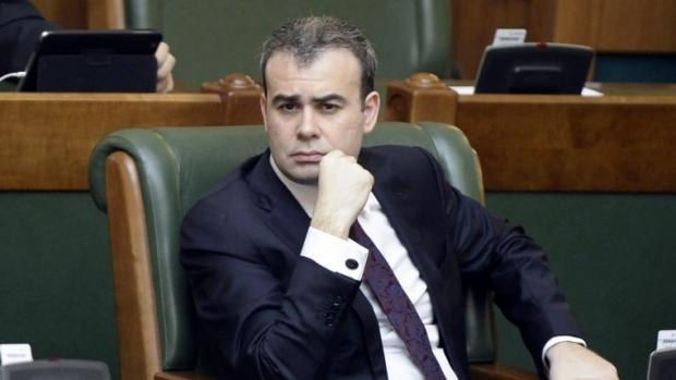 Foto: Darius Vâlcov, recent numit consilier de stat în Guvernul Dăncilă, rămâne sub control judiciar într-un dosar de corupţie