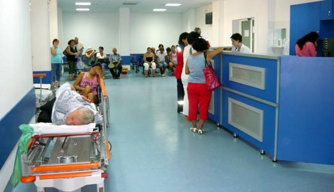 Foto: Val de urgenţe la Spitalul Judeţean Constanţa! 450 de solicitări la Ambulanţă în prima zi
