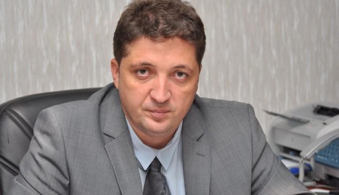 Cine tulbură apele în Poliția Constanța - valentinburlacu4-1317759415.jpg