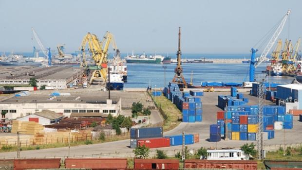 Foto: Vameșii constănțeni au confiscat mărfuri contrafăcute, în valoare de 104.000 euro