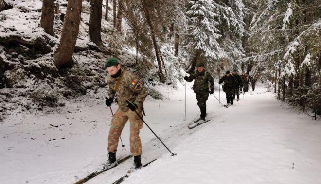 Vânătorii de munte, în tabără de iarnă - vanatori-1580850531.jpg