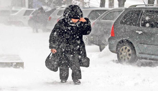 Foto: Cât mai ninge, la Constanţa? Ce spun meteorologii