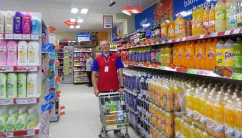 Foto: Vânzările de produse alimentare au relansat comerţul