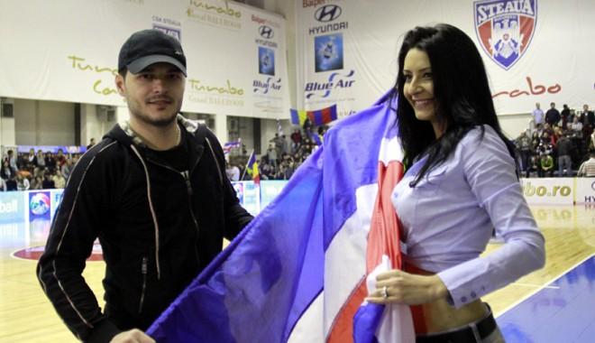 Adelina este istorie!  Liviu Vârciu s-a mutat cu noua iubită - varciu-1385312465.jpg