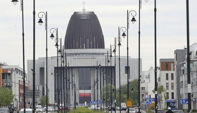 Varşovia doreşte să înăsprească pedepsele pentru pedofilie - varsovia-1557951405.jpg