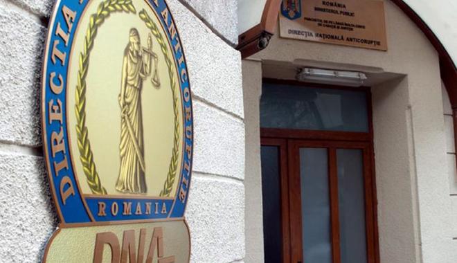 Foto: TATĂ ŞI FIICĂ, TRIMIŞI ÎN JUDECATĂ DE DNA CONSTANŢA. Ce au descoperit procurorii