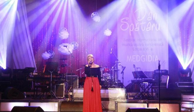 """Foto: Vedete în concert la Festivalul """"Dan Spătaru"""""""