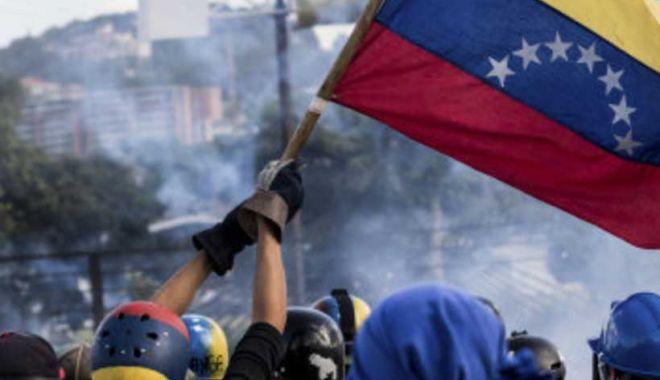 Cuba susţine că trupele americane în Caraibe pregătesc o intervenţie în Venezuela - vene-1550187322.jpg