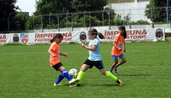 Veniți să jucați fotbal feminin! Cupa Selena, ediția întâi - veniti1-1528635336.jpg