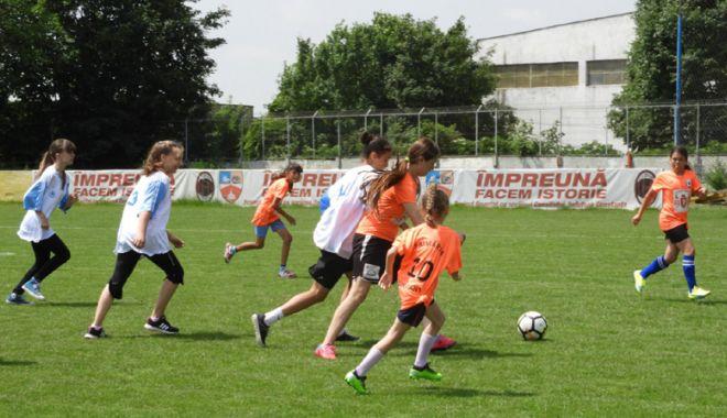 Veniți să jucați fotbal feminin! Cupa Selena, ediția întâi - veniti2-1528635351.jpg