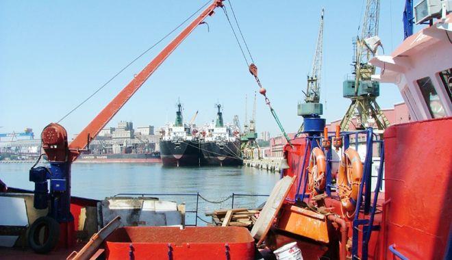 Foto: Industria portuară a înregistrat o ușoară creștere de venituri în anul 2017