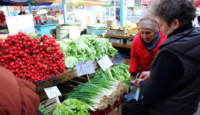 Foto: Verdeţurile, mai scumpe  decât carnea, în pieţele constănţene!