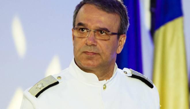Foto: Ce îi sugerează Traian Băsescu rectorului Vergil Chiţac, curtat de PNL