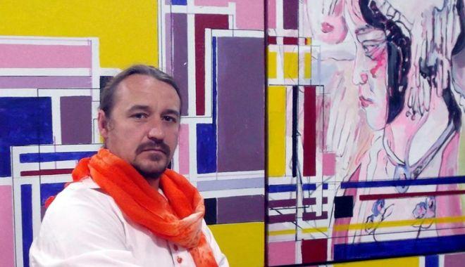 """Foto: Expoziţia """"Ideologii politice"""", la Muzeul de Artă"""