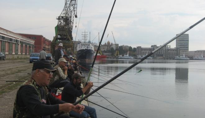 Foto: Veste bună  pentru pescarii din portul Constanţa