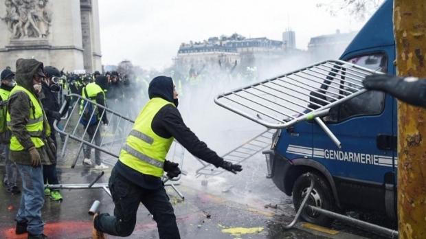 Foto: PLECAŢI ÎN FRANŢA? ATENŢIE! Avertisment de la Ministerul de Externe Român