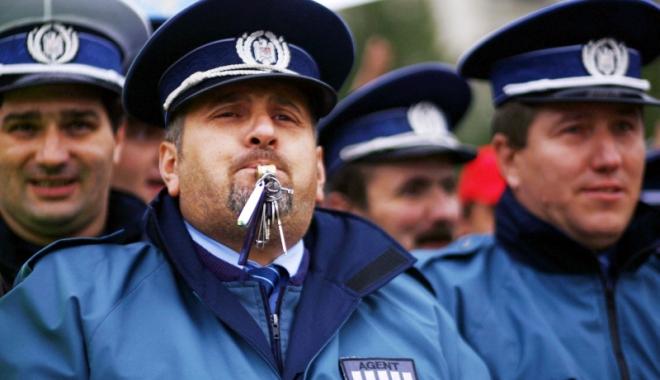 Foto: Veşti proaste pentru militari şi poliţişti! Măririle salariale promise în campanie, şterse cu buretele