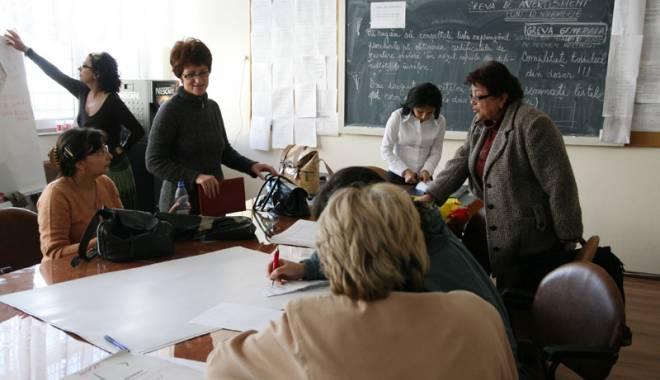 Foto: Veşti despre salariile din educaţie. Profesorii sunt momiţi cu măriri, sindicatul ameninţă cu proteste