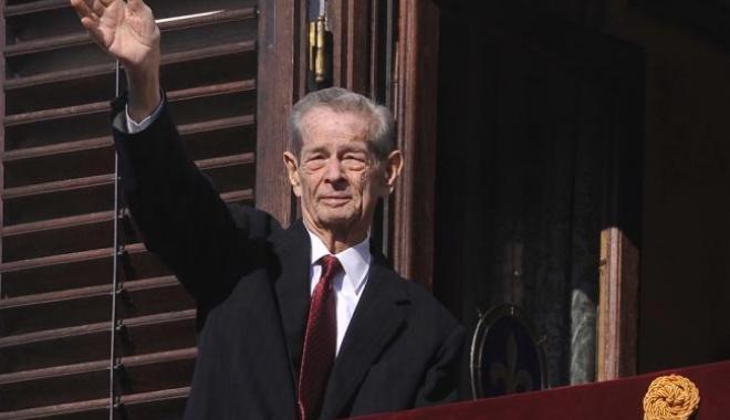 Foto: Regele Mihai a fost împărtăşit. Ultimele informaţii despre starea de sănătate a Majestăţii Sale