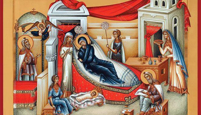 """Foto: Veşmântul Cuvioasei Parascheva, adus la Biserica """"Adormirea Maicii Domnului II"""""""