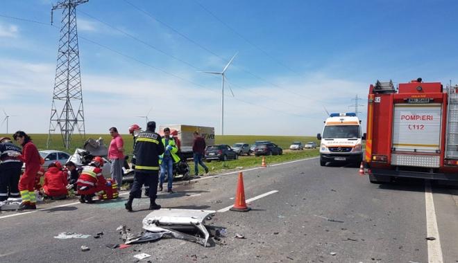 Foto: Victimele accidentului  de la Dorobanţu sunt încă  în stare gravă