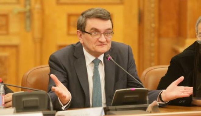 """Foto: Victor Ciorbea, Avocatul Poporului, audiat ca martor în dosarul """"Mineriada"""""""