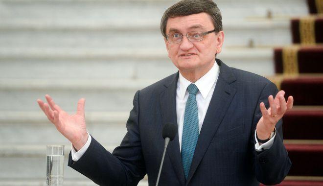 """Foto: Victor Ciorbea, contrazis de PMP. """"Avocatul Poporului minte!"""""""