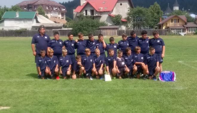Foto: Victoria Cumpăna, câştigătoarea etapei  a ll-a a Circuitului Naţional de mini-rugby