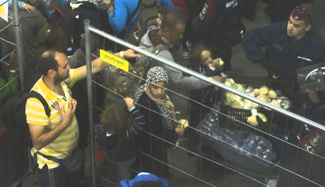 Foto: Alertă cu bombă la o tabără de refugiați din Belgia