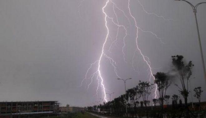 Foto: COD PORTOCALIU de ploi torenţiale, în judeţul Constanţa