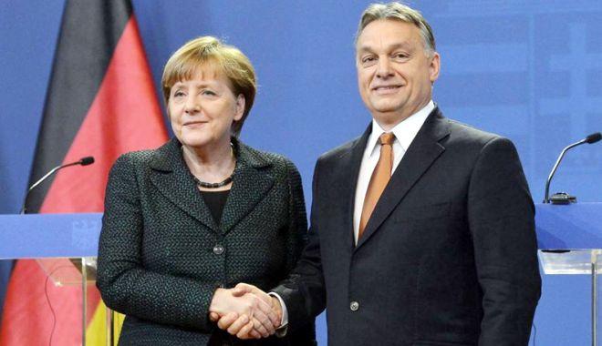 Foto: Viktor Orban ar putea accepta un acord  cu Angela Merkel pe tema migraţiei