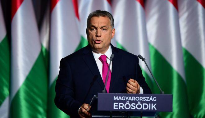 Foto: Viktor Orban pozează  în apărătorul culturii creştine  a Ungariei