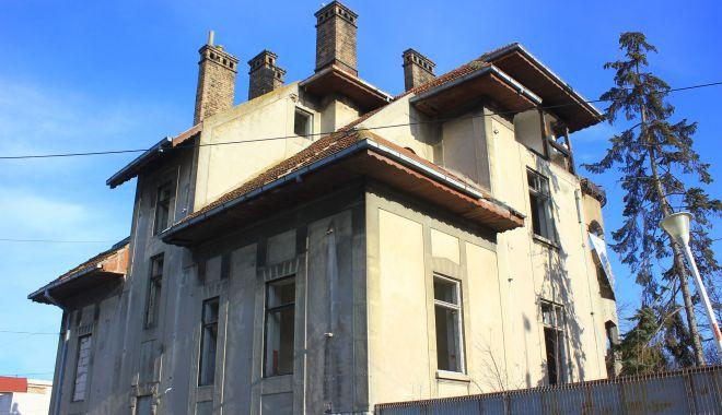 """Vila Dalas din Constanţa, salvată de la demolare. """"O renovăm şi deschidem ceva acolo!"""" - vila1-1633715453.jpg"""
