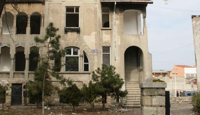 """Vila Dalas din Constanţa, salvată de la demolare. """"O renovăm şi deschidem ceva acolo!"""" - vila2-1633715463.jpg"""