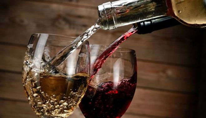 """Festivalul Vinului Dobrogean """"Pontus Euxinus"""", la Constanţa - vinalbsauvinrosu-1528716698.jpg"""