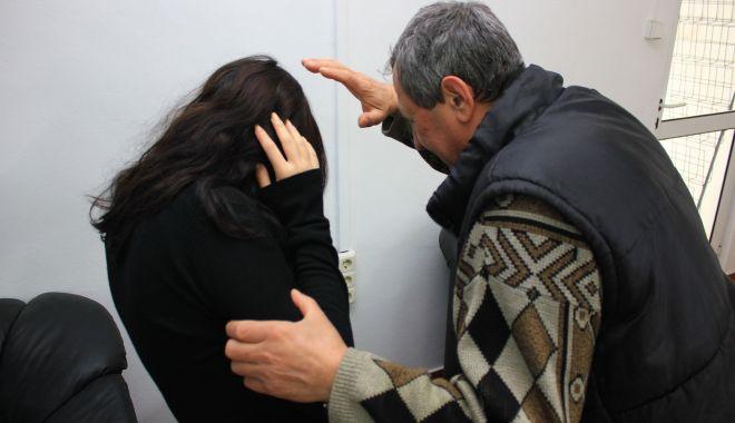 Mii de ordine de protecție pentru apărarea femeilor bătute - violentafamilie-1606331313.jpg