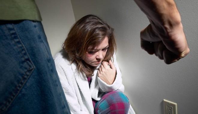 Foto: Ministerul Muncii/ Campanie împotriva violenţei în familie