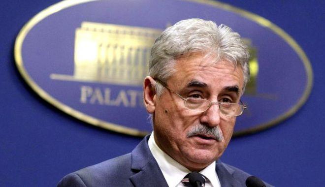 Foto: El este noul ministru interimar al Cercetării. Iohannis a semnat decretul