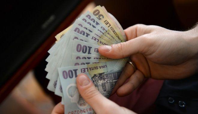 Foto: Toate pensiile vor fi virate pe card