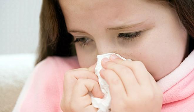 Foto: Cum îi tratăm pe cei mici de virozele primăvăratice