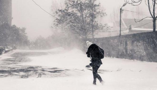 Foto: IARNA REVINE ÎN FORŢĂ! Va începe un nou val de ninsori, iar temperaturile vor scădea